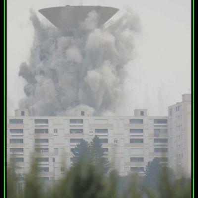 Démolition de la tour plein ciel de Montreynaud