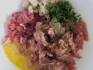 Gratin de boulettes de viande au four, à la mozzarella