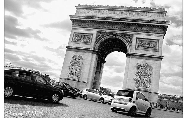 Paris : l'Arc de Triomphe