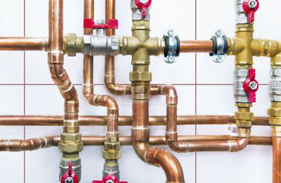 Trenchless Pipe Repair Versus Traditional Pipe Relining