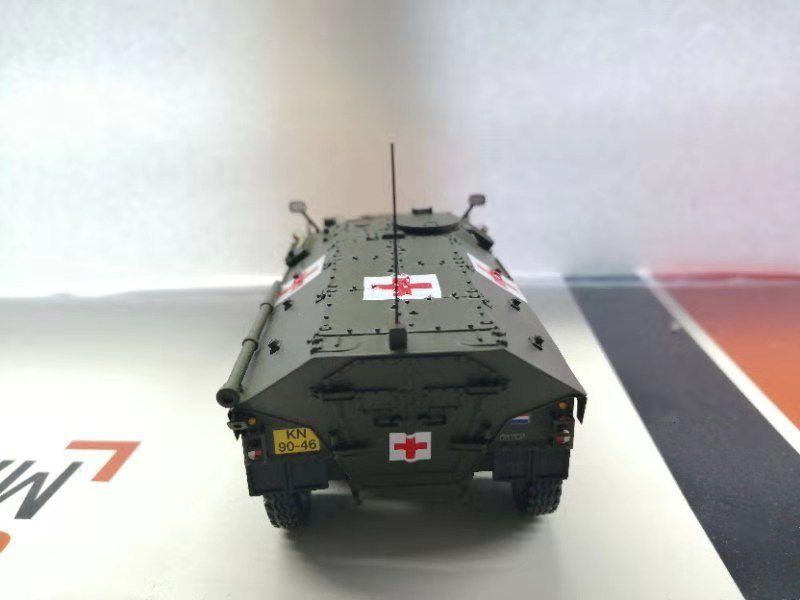 Prototype de la version ambulance en livre vert armée