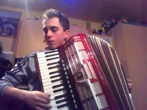 WHAT IS LOVE A L'ACCORDEON POLONAIS