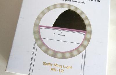 Un anneau lumineux à selfie gratuit