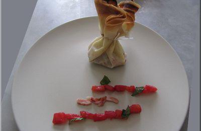 Aumonière de brick : Sainte-Maure, tomate et basilic