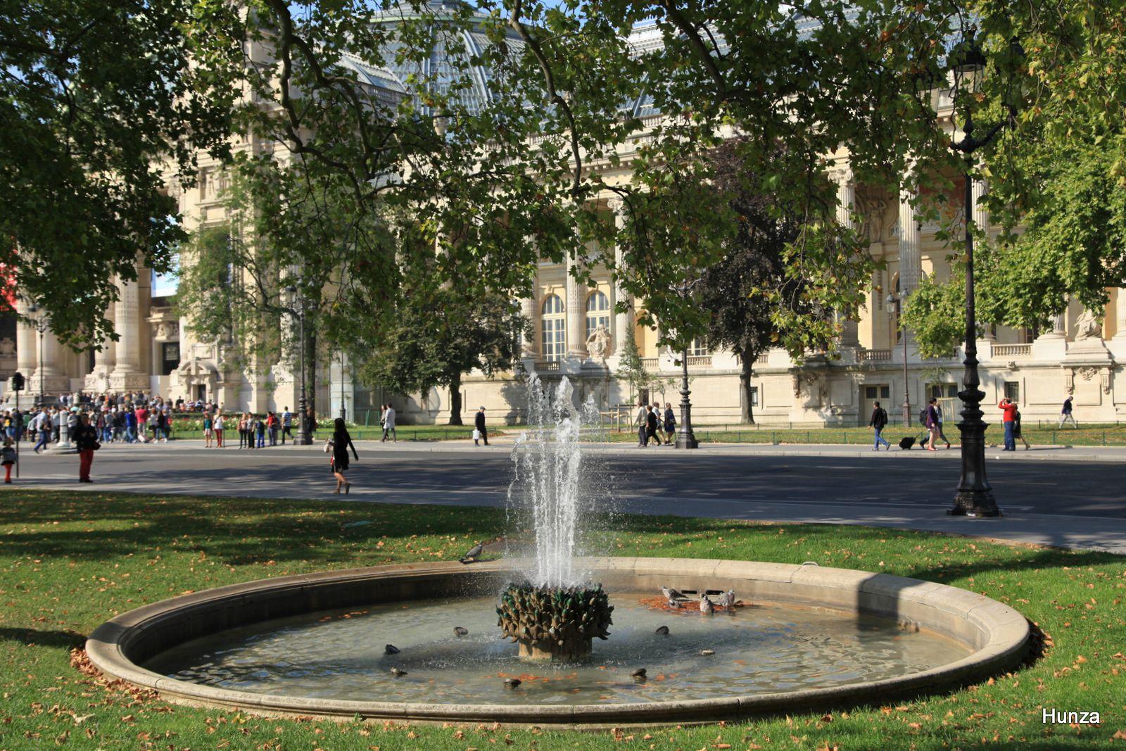 La fontaine côté nord du Petit Palais