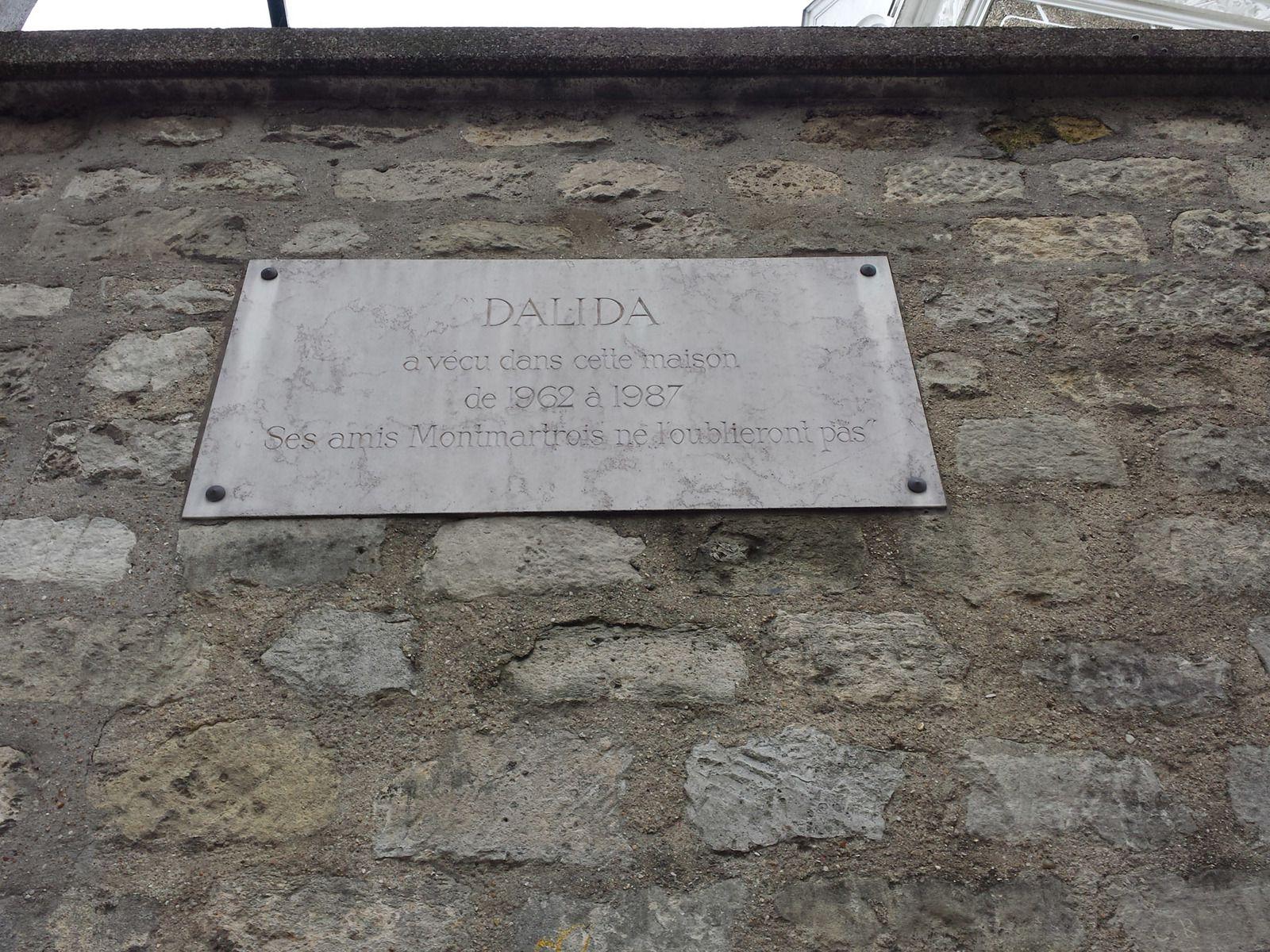 La maison où a vécu la chanteuse DALIDA rue d'Orchampt