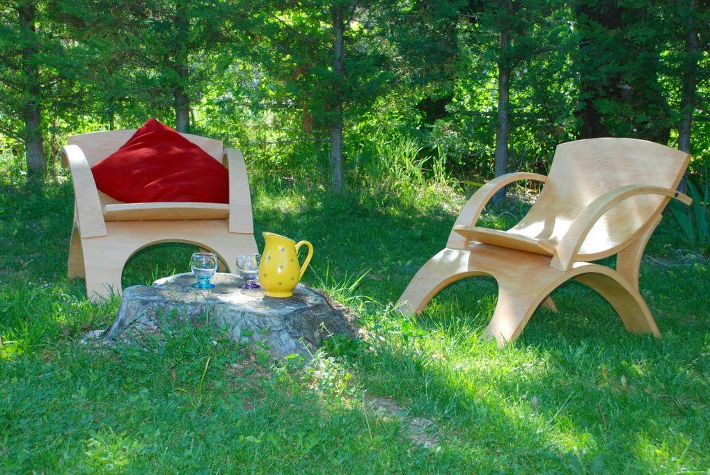 Des meubles de jardin aux formes sympathiques.