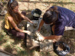 Construction et expérimentation d'un four antique pour la fabrication de perles de verre, métallurgie du cuivre