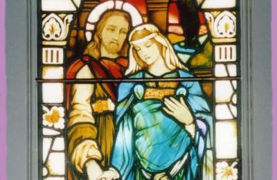 Jésus et Marie : le vitrail de Kilmore - De quelle Marie s'agit-il ?