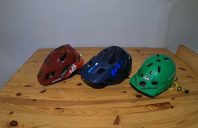 TEST CASQUE enduro jet Urge all-in VS Met roam mips VS 661 EVO AM.