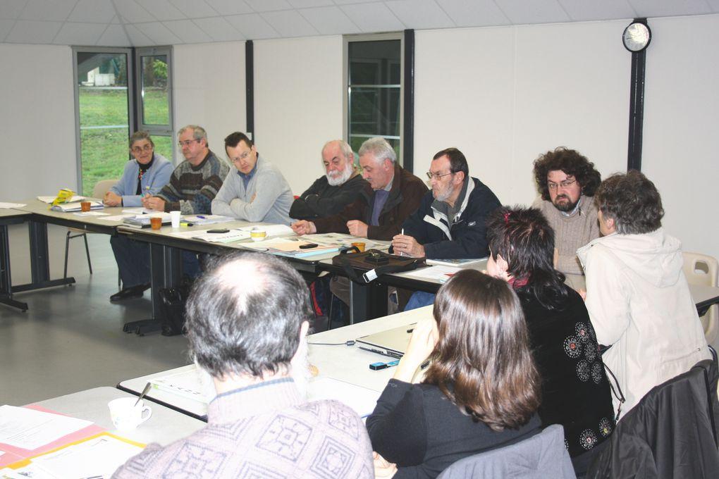 Vues du Bureau politique de l'UDB réuni à Plescop près de Vannes le 28 mars 2010, une semaine après les élections régionales.