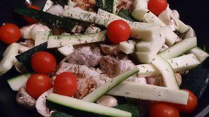 Roulés de porc aux tomates confites et parmesan