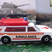 AMBULANCE MATCHBOX SERIE SPEED KINGS 1/45 - car-collector.net