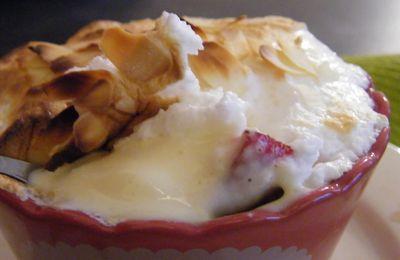 Crème meringuée au chocolat blanc et aux fraises