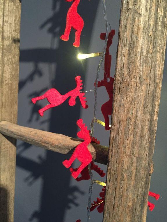 Des touches de rouge et de la nature dans le sapin !