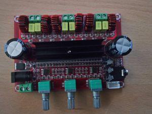 Amplificateur audio 2.1 - Plaque émaillée Pin Up pour décoration des côtés  - Boule à facette LED et plaque lumineuse pour la niche.