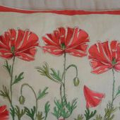 Poppy field free embroidery set