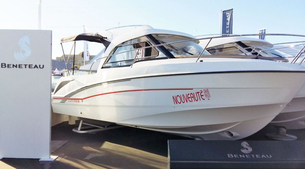 Ideal for coastal cruising, the new Bénéteau Antares 7