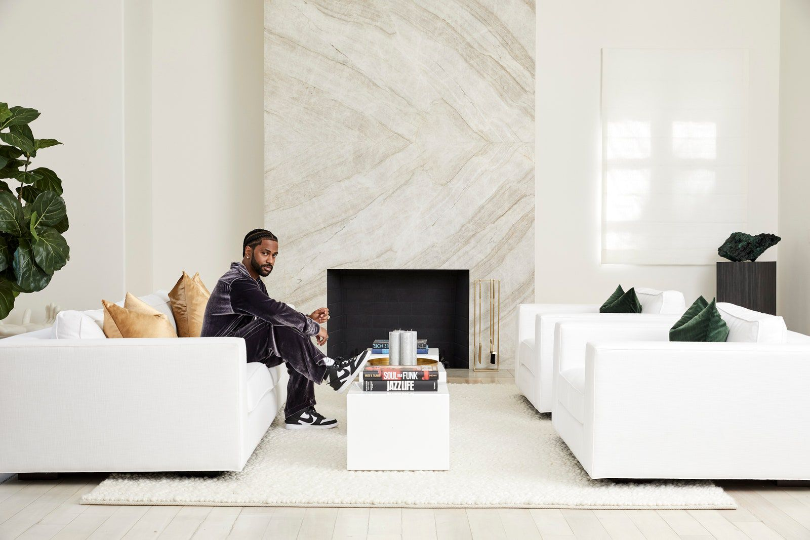 Design: Work at home: Big Sean show up his Beverly Hills House