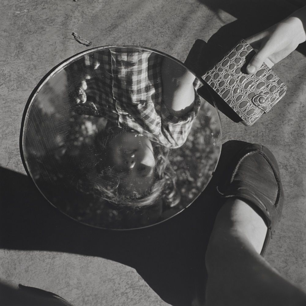Vivian Maier, New York, 1953, tirage argentique, 2020 © Estate of Vivian Maier, Courtesy of Maloof Collection and Howard Greenberg Gallery, NY