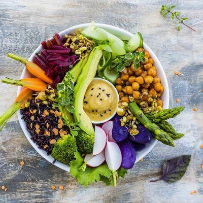 8 nutrientes clave para incluir en una dieta basada en plantas