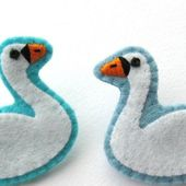 How To: Felt Swan Brooches (or Swan Collar Clips!)