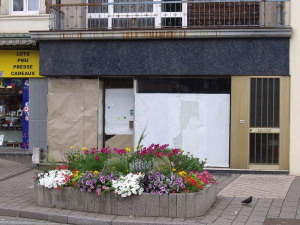 N° 98 rue Clemenceau à Algrange - Coiffeur - Bijouterie - Pompes Funèbres - Coiffeuse