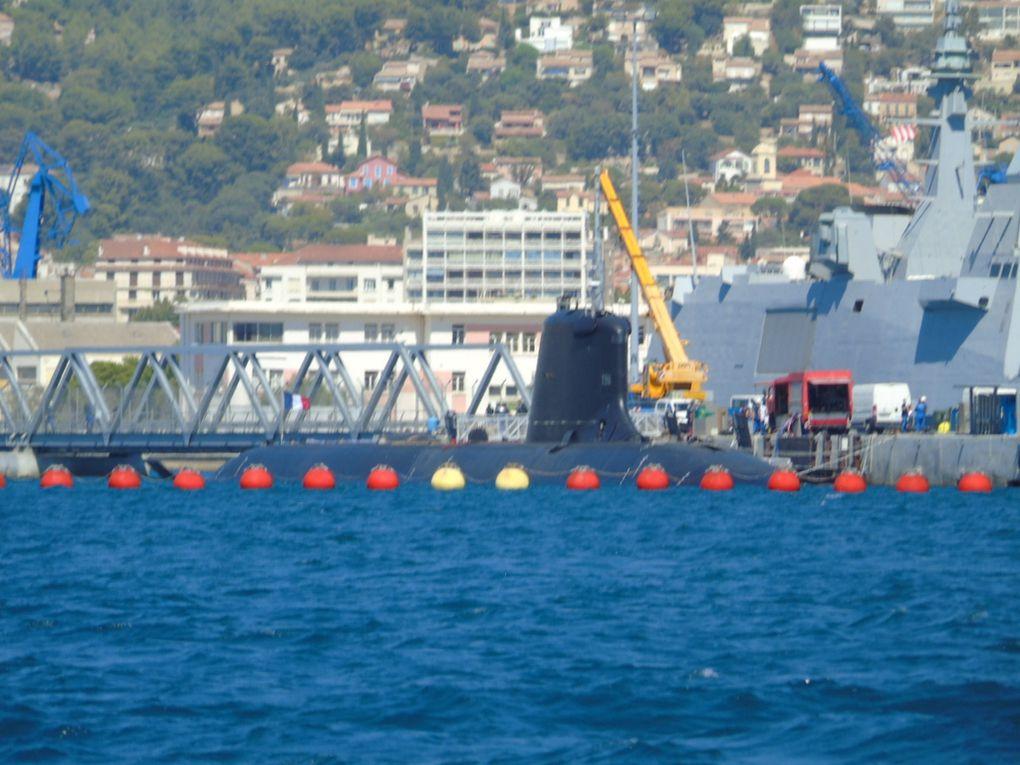 SUFFREN , sous - marins d'attaque  type Barracuda  a quai dans la base navale de Toulon  le 26 aout 2020