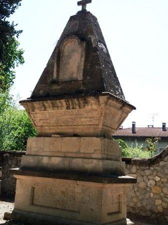 Quelques photos complémentaires des autres années du cimetière d'Arles.