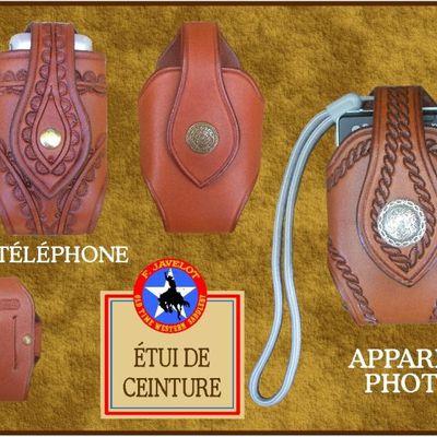 Etuis pour TÉLÉPHONES PORTABLES, en cuir décoré dans le style western avec Tooling Border , gravure Scrolls ou motifs Floraux.