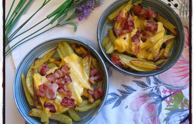 Frites au cheddar et au bacon