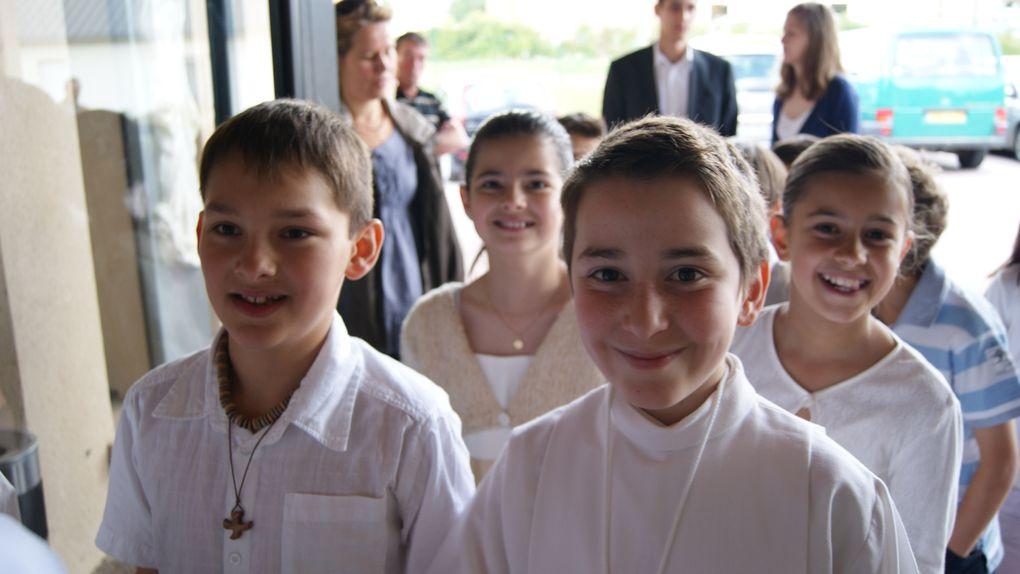 Fête des Baptêmes et des Premières Communions du Collège et de l'Ecole Saint Adjutor à VERNON