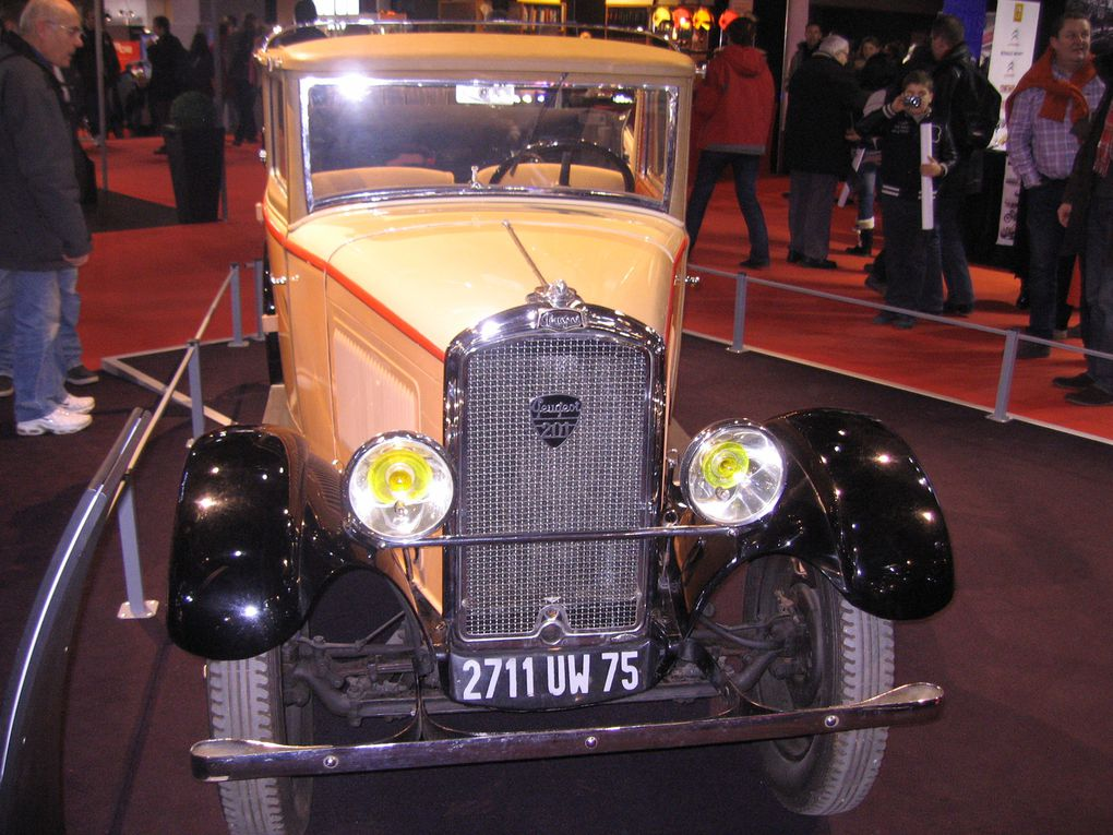 Photos Salon RETRO-MOBILE-2012 Exposition de voitures anciennes et de collection