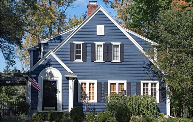 Bring the Spirit of Holidays into Your Home with These Exterior Paint Colors