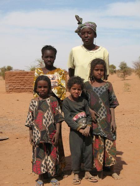 À toutes les femmes Touarègues qui soufrent au Niger.