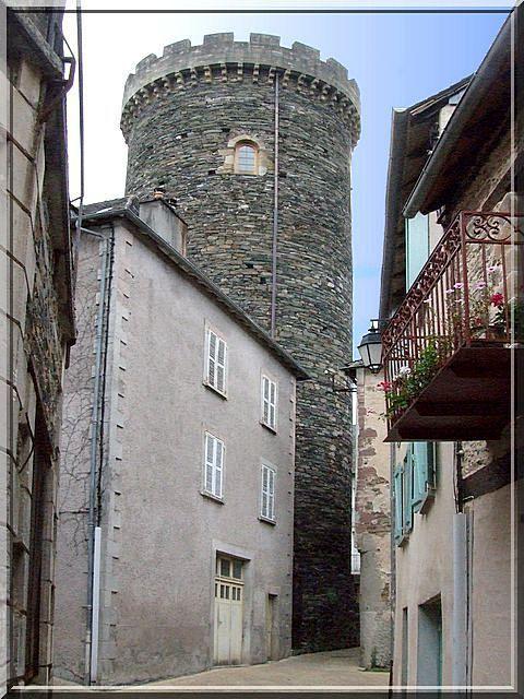 Diaporama tour fortifiée d'Allassac