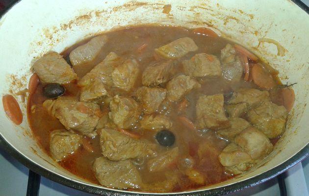 Sauté de veau tomates olives noires