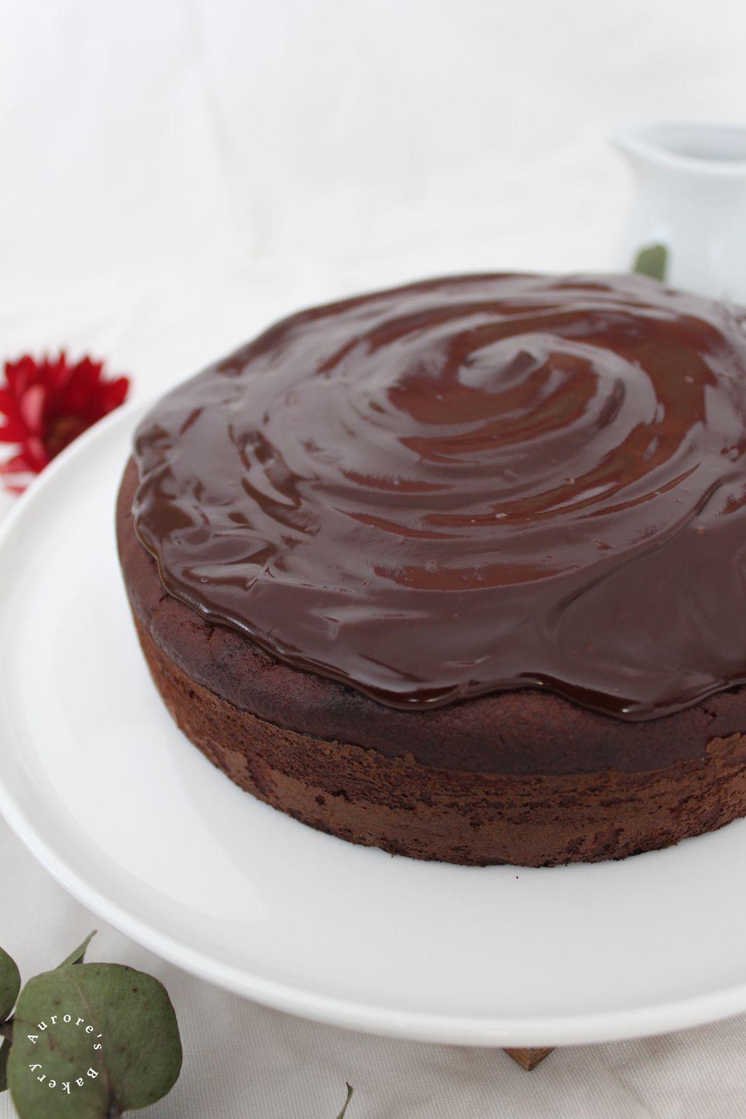 Moelleux chocolat-bananes & son glaçage gourmand. {Sans beurre, sans oeuf}.