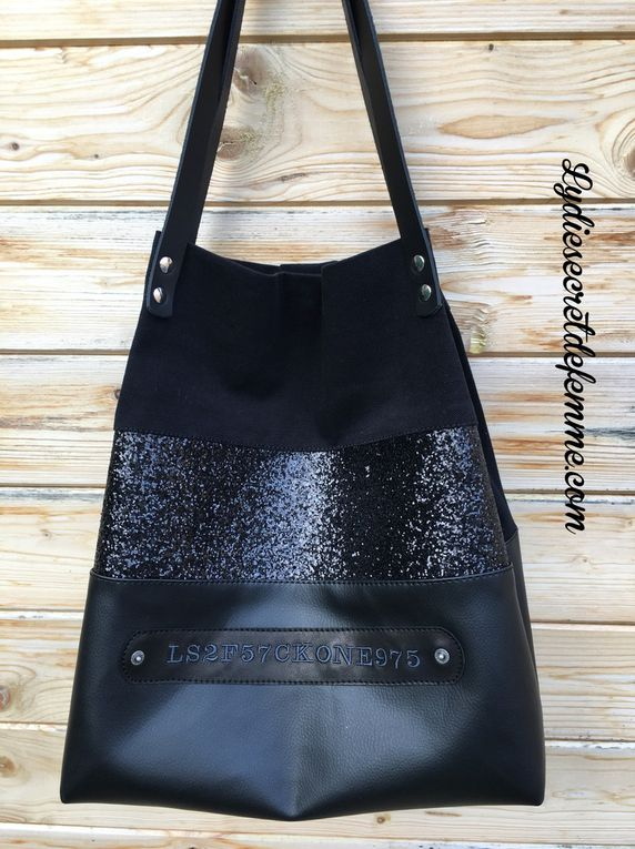 "Sac cabas ""GIRLY "" paillettes noir"