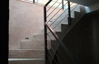 En direct: soudure de la main courante de l'escalier.
