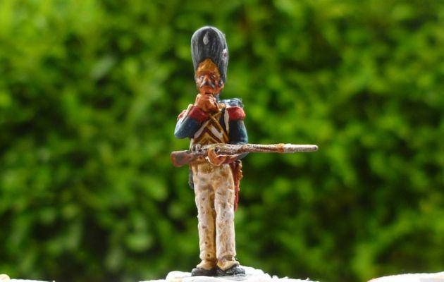 Grenadier Français de la vieille garde 1814 de chez Schilling miniature au 1/72 ème