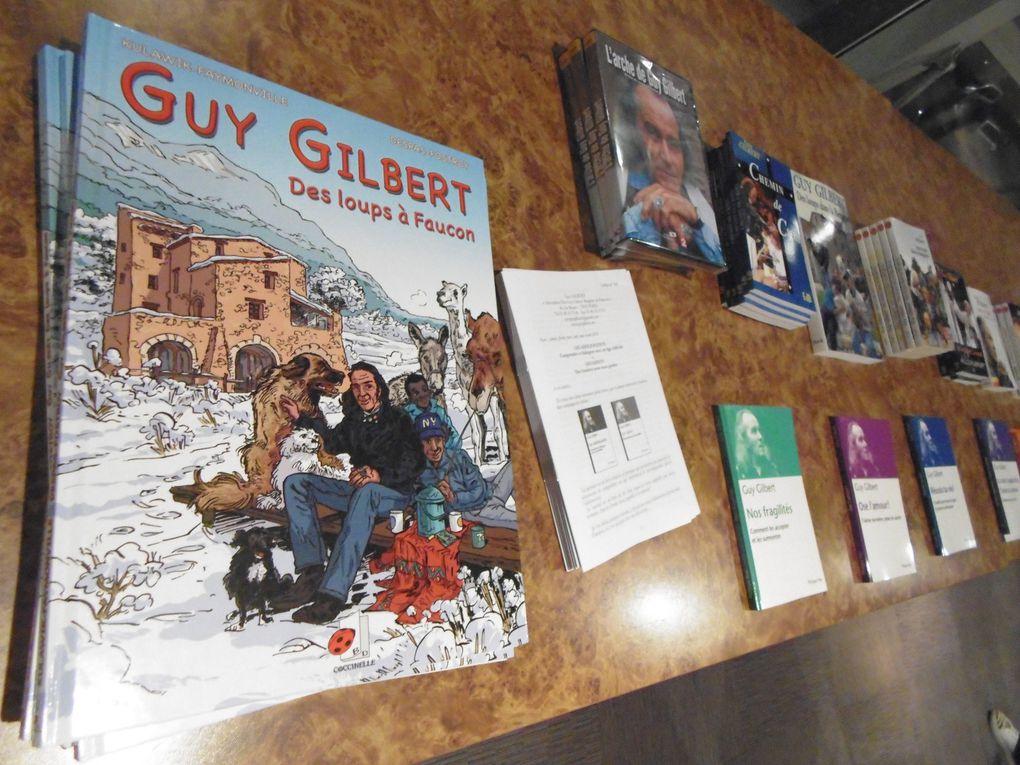 """Alors que Guy Gilbert, quittant son pays d'origine, il était de Rochefort, roule vers Paris, on va à nouveau vers une guerre, via des images détournées... La saga """" Art Crash """"....."""
