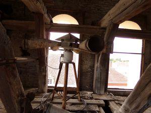 Le beffroi abrite aussi l'ancien dispositif de sirène des pompiers. Celui-ci n'est plus en service actuellement.