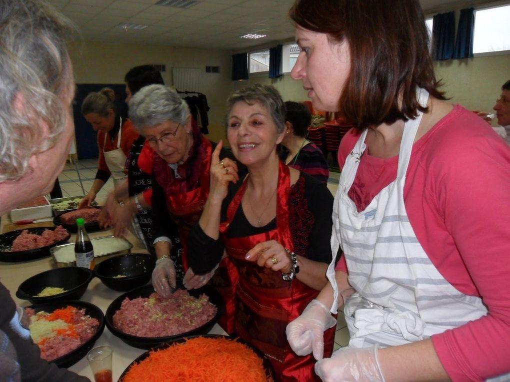 27 adhérents se sont retrouvés ce samedi pour préparer la fête du Nouvel An vietnamien qui aura lieu à Fontcouverte le 9 mars. Au menu : Nems et Chè bi (chè au potiron et lait de coco). Superbe ambiance !