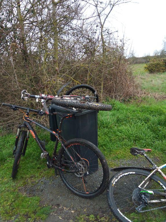 2020 La ronde des sangliers - Une petite photo avec Raoul et le vélo de Rémy en temps de confinement