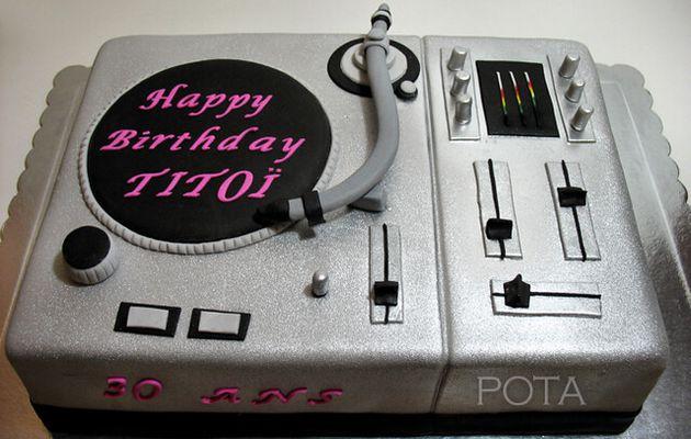 "Gâteau ""Platine DJ"" - Torta za DJ-a"