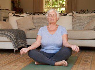Les personnes qui méditent souvent à 50 ans retrouvent la même quantité de matière grise qu'à 25 ans