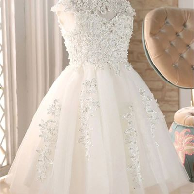All you Need to Know While Shopping for Communion Dresses and Gowns