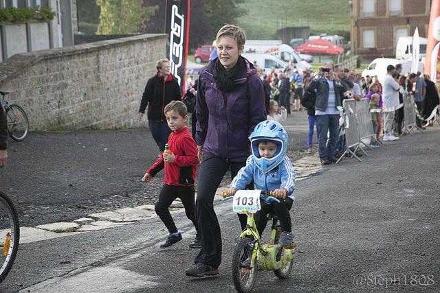 Courses enfants et adultes des 3h VTT d'Arreux 2014 du Dimanche 19 octobre 2014. Organisation : Familles Rurales d'Arreux Photos : Monsieur Stéphane LEROY