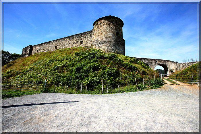 Diaporama château de Mauléon-Licharre